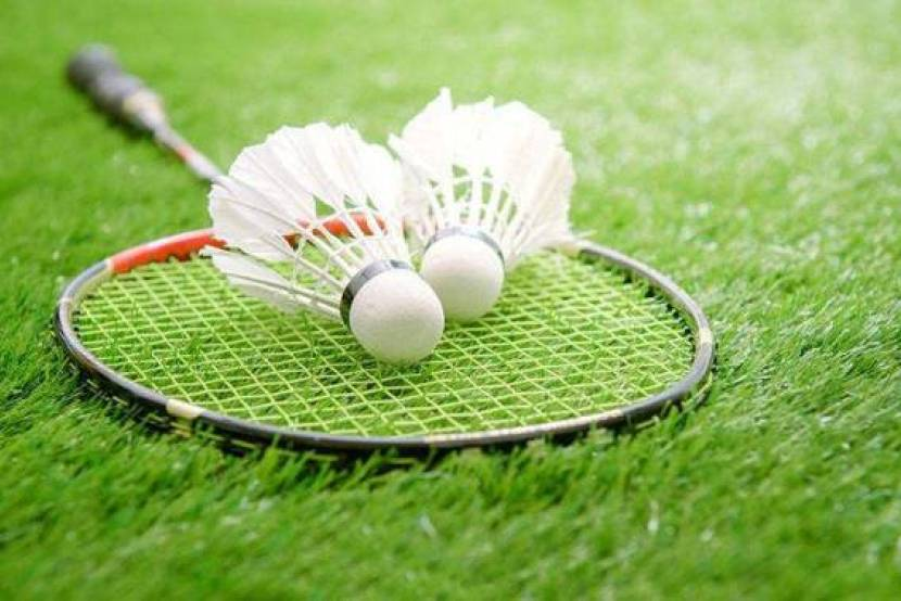 Do you need to wear glasses when you play badminton?