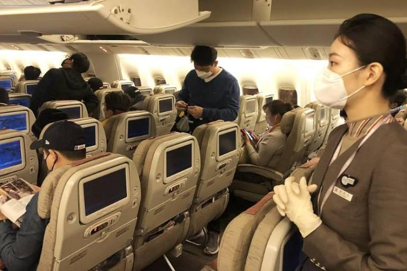 Should Airlines charge extra for passengers wanting to keep social distancing?