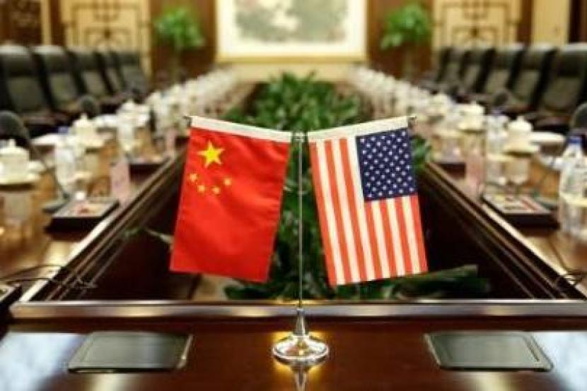 Respect history, look to the future and stabilize China-US relations: China