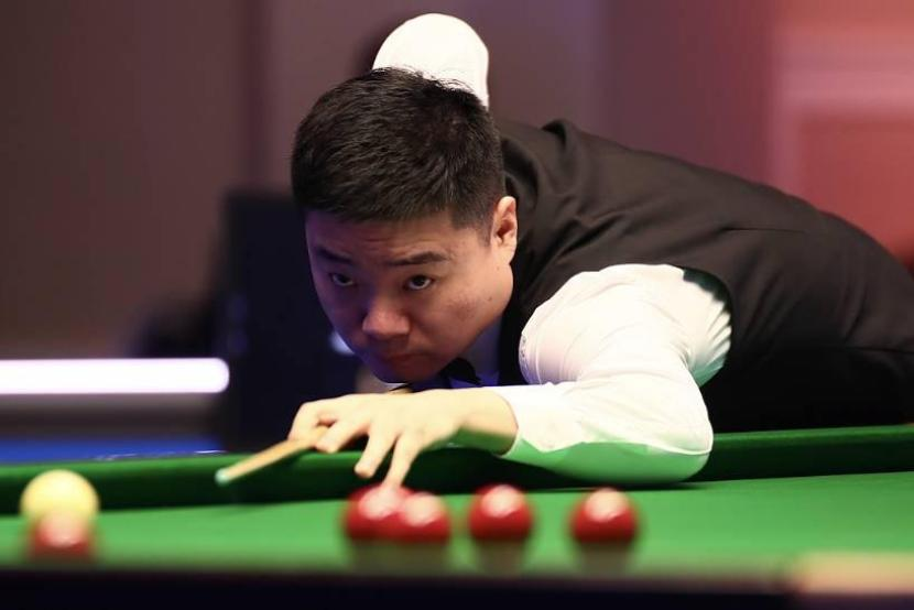 Chinese Ding Junhui ousted by Ronnie O'Sullivan in an epic battle at world championship