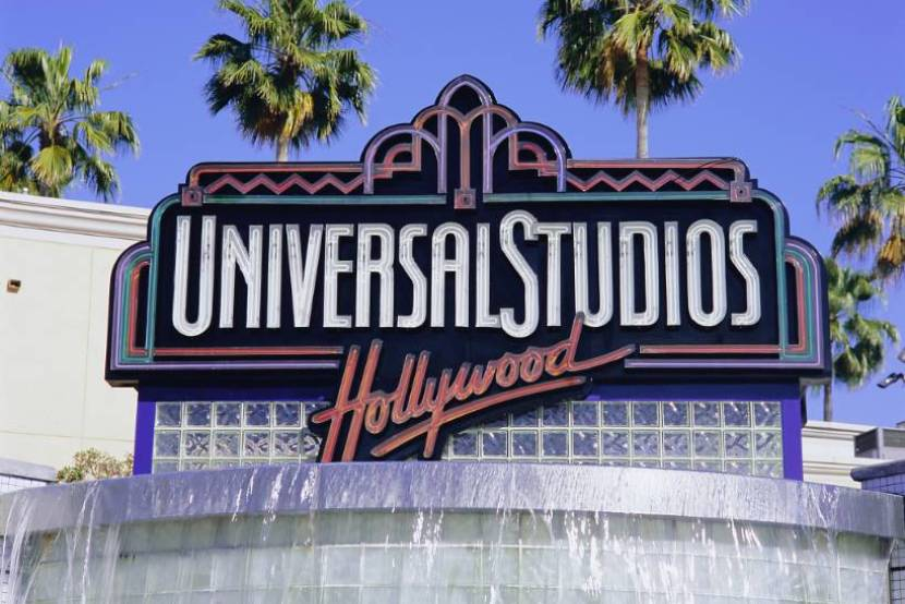 Hollywood unions sign deal with studios on COVID-19 safety rules