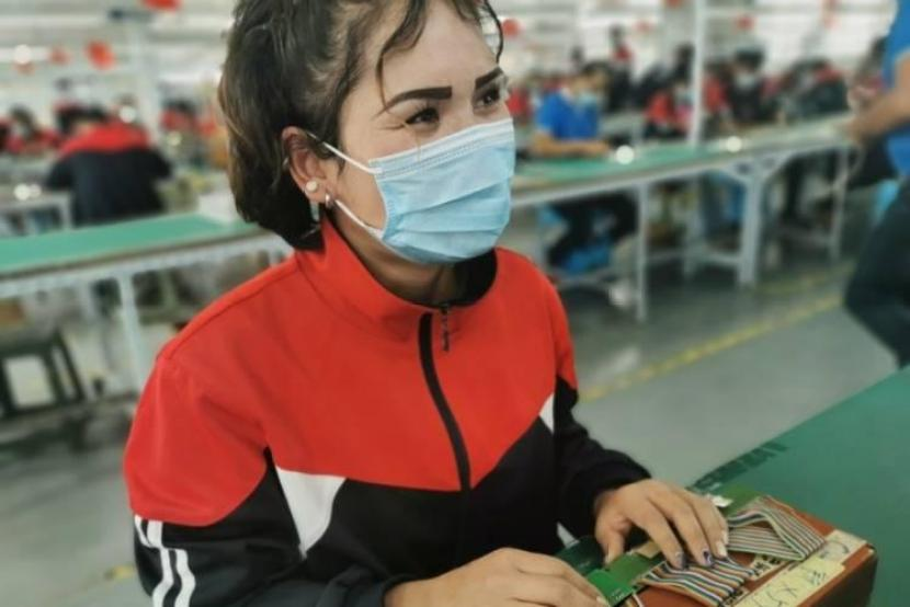 How work made difference for girls in southern Xinjiang