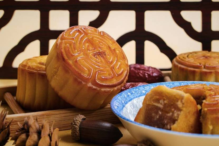 Solutions to enjoy mooncakes without getting fat