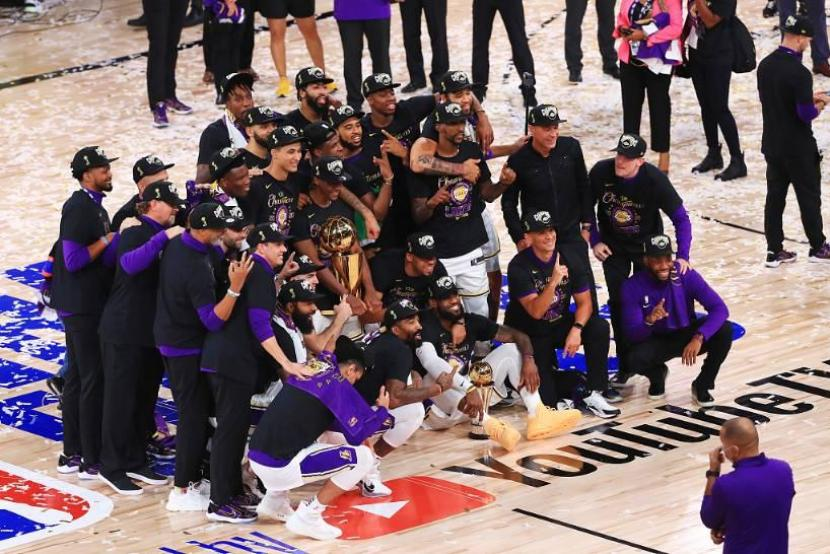 Lakers crush Heat to capture record-tying 17th NBA title, James wins 4th Finals MVP